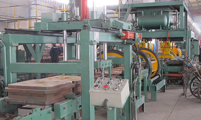 Horizontal flask less green sand production line