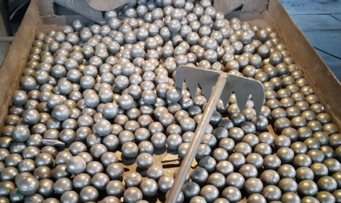 Cast grinding media Ball
